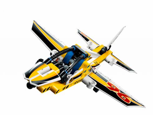 Самолет пилотажной группы